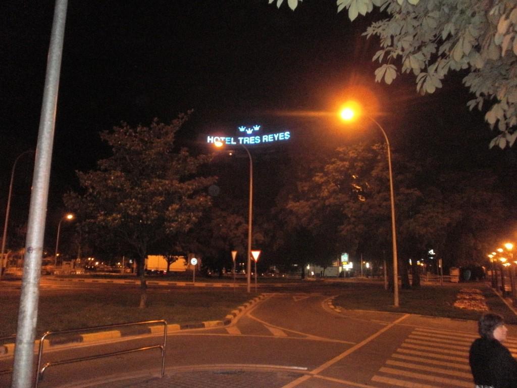 Tres Reyes Hotel at night